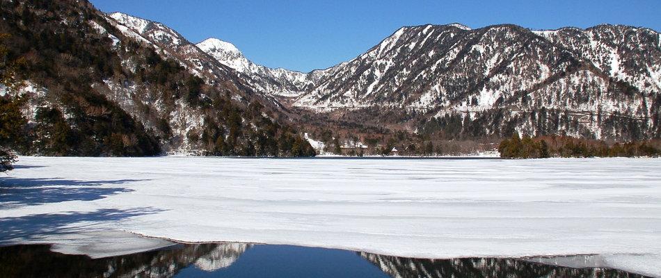 7. 冬 湯ノ湖結氷